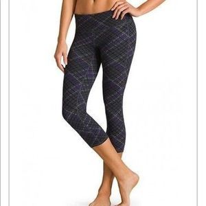 Athleta Asphalt Plaid Chatauranga Capri